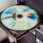 【保存版】CD・DVDを読み込まない原因と解決方法を詳しく解説!