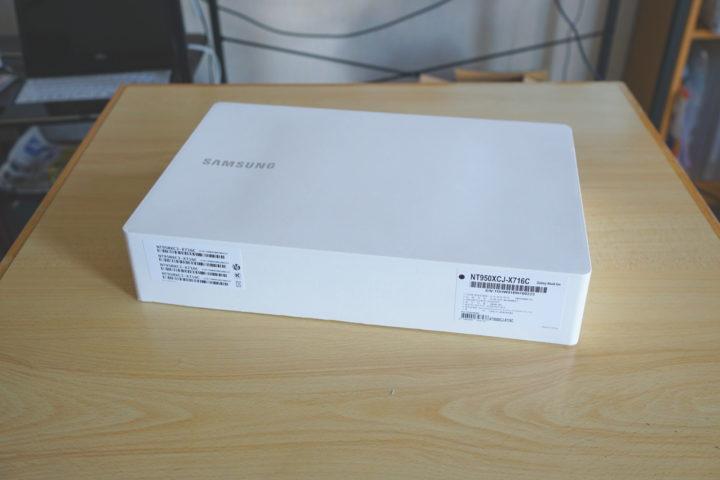Galaxy Book ion レビュー 外箱