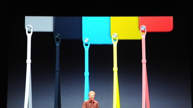 新iPod touch を発表